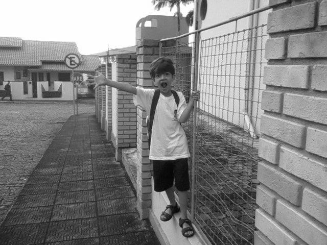 bernardo-escola-cinza